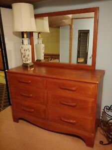Vintage Cushman Colonial Maple Dresser With Mirror