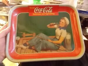 VINTAGE 1940 COCA COLA FIGHING GIRL WITH SAILOR CAP SERVING TRAY