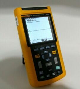 Fluke 124 Industrial Scopemeter 40 Mhz Excellent Condition Oscilloscope