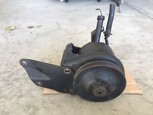 289 302 351 Ford Power Steering Pump Pulley And Brackets D10a D0ar a