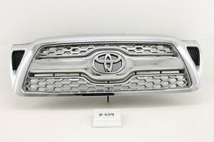 Used Oem Chrome Grille Toyota Tacoma 2005 2011 Scratched Road Wear Chip Mount