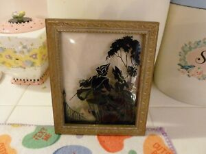 Beautiful Antique Convex Bubble Glass Reverse Painted Silhouette Couple Picture