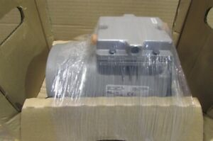Thomas Vacuum Pump Model 6617cd22 B