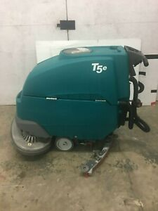 Tennant T5e 32 Floor Scrubber 1106 9 Hours
