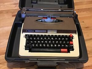 Brother Power Carriage 12 Electric 4512 Typewriter W Case Great Condition