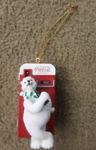 COCA COLA MACHINE & POLAR BEAR WITH BOTTLE OF COKE CHRISTMAS ORNAMENT 3