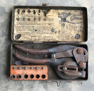Vintage Whitney Metal Tool Co Punch No 5 Set