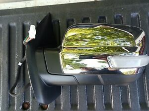 2017 2019 Nissan Titan Driver Side Mirror With Camera Oem