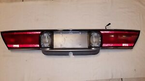 97 99 Buick Lesabre Center Tail Light Trunk Lid Mount Taillight Reverse Plate