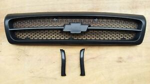 Chevy Impala Ss Caprice Grille Matt Black Gm1200450 1994 96 With Rubber Stripe