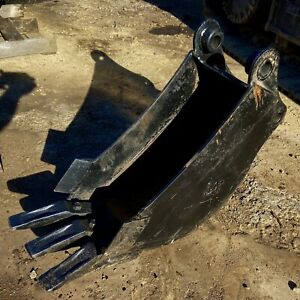 Brand New Cat 12 Bucket For Mini Excavator Or Backhoe 26 Long And 14 Deep
