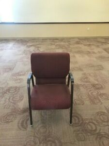 200 Used Auditorium Theater Church Seating Chairs Seats Stacking 4 Legs 25 Ea