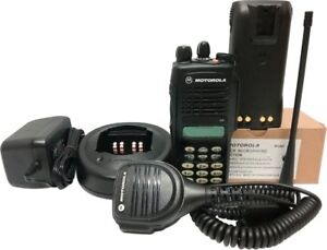 Motorola Ht1250 Uhf Two Way Radio Full Keypad Mdc 1200 Quik call Ii 403 470 Mhz