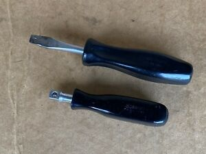 Snap on Tools 2 Stubby 3 8 Driver Flat Screwdriver Black Handle F40a Sdd153