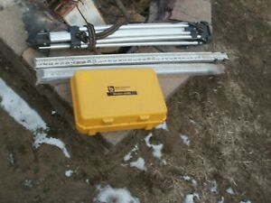 Berger Instruments Model 200b Surveying Level Transit level With Tripod And Meas