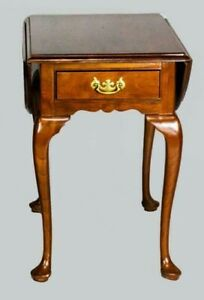 Stickley Queen Anne Style Drop Leaf End Table Williamsburg Style