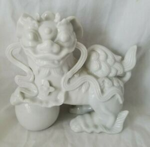 Vintage Chinese Porcelain Lion Foo Dog Figurine Fu White Statue Asian 6 X 5 5
