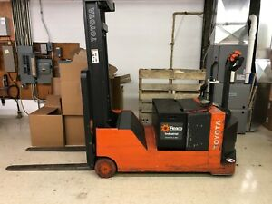 Toyota Electric Forklift Truck Model 6bwc20 4 000 Lb Capacity Bad Battery