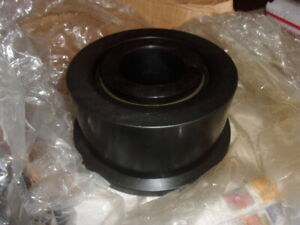Nos Smith Trax Fyr 7 Flanged Track Roller Bearing Free Shipping