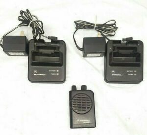 Motorola Minitor Iv 4 Low Band 2 channel Pager 33 49 Mhz With Two 2 Chargers