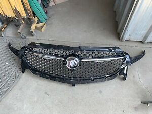 2018 2019 Buick Enclave Upper Grille W Camera Type Oem
