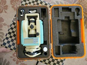 Leica Ldt 05 Digital Theodolite In Excellent Conditions With A New Tripod