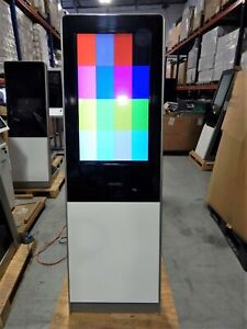Vertical Retail Self Service Kiosk Enclosure With 32 Lcd Touchscreen Monitor