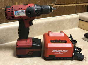 Snap On Cdr8815 1 2 Cordless Drill W Charger And Battery Pack 18v
