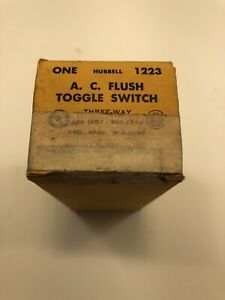 Hubbell A c Toggle Switch Three Way Toggle Switch 1123 20 Amp 120 277 Volt