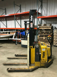 Yale Msw040sen24tv087 Pallet Straddle Stacker Walk Behind Walkie Fork Lift