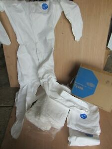 Dupont Tyvek 400 Ppe Coverall Size 2xlwith Zipper