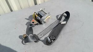 2003 2005 Honda Element Seat Belt Retractor Front Right Passenger Side Oem