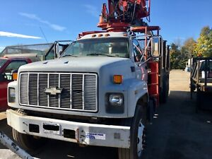 Knuckle Boom Grapple Truck