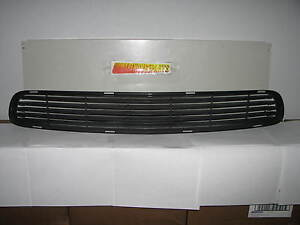 2004 2006 Gto Front Bumper Lower Grille New Gm 92120214