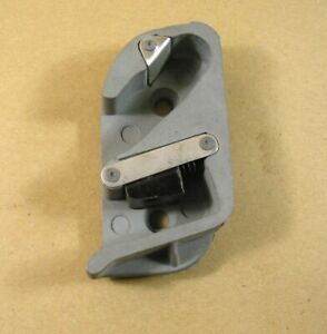 1949 1952 Pontiac Chevy All Door Latch Striker Rh Front Rear Door C4604440r