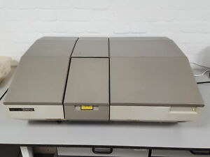 Perkin Elmer Spectrum 1000 Ft ir Spectrophotometer L118 n000 Lab