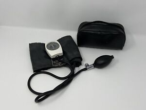Tycos Adult Blood Pressure Cuff W Tycos Pre Calibrated Sphygmomanometer Dial