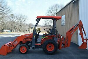 2020 Kubota B26 Tractor Loader Backhoe 4 Wheel Drive Only 20 Hours
