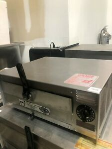 Used Wisco Pizza Oven