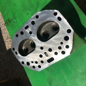 New Old Stock For 520 530 Tractors Nos B3741r Cylinder Head