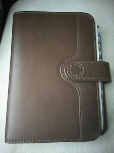 Day Runner Day Timer Day Planner Organizer Fact Center Brown Agenda Classic Logo