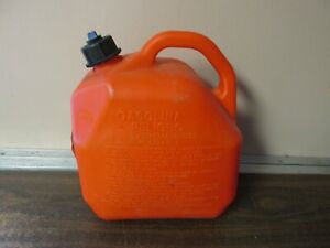 Scepter 2 Gal Plastic Gas Fuel Can With Self Venting Spout