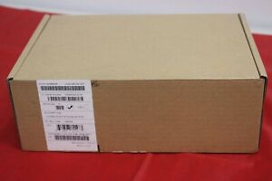 Polycom Vvx 300 Poe Bt Office Desktop Ip Phone 2200 46135 025 new In Box
