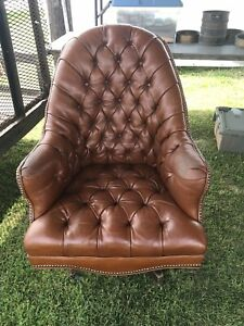 Tufted Leather Nailhead Trim Swivel Office Executive Rolling Desk Chair