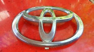 Genuine Toyota 02 2005 Camry 2003 2005 4runner Grille Emblem 75311 33100 Used