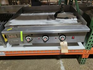 Used Vulcan 936 Heavy duty Commercial Thermostatic Gas Griddle