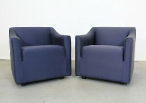 Pair Of Vintage Modern Lounge Club Chairs By Knoll