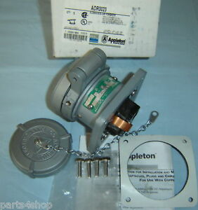 Appleton Pin sleeve Adr3023 Receptacle 30a 2w3p New