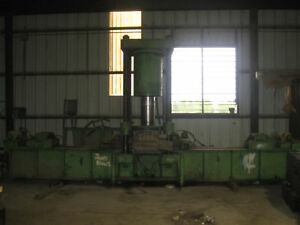 Approximate 500 Ton 4 post Press