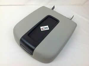 Chevrolet Silverado Avalanche Gmc Sierra Front Console Gray Armrest Lid New Oem